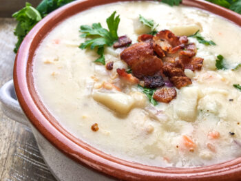 New England Clam Chowder | One Pot Comfort Cooking